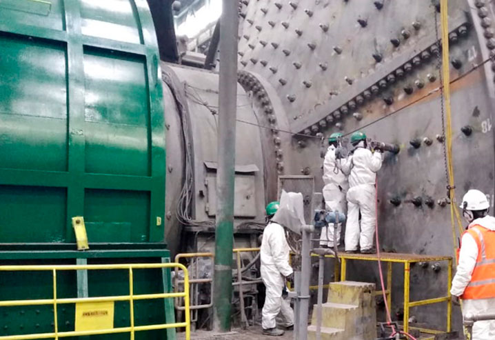 Cambio de liners en Molino SAG