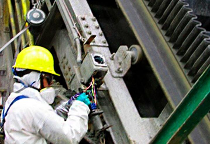 Mantenimiento de pull cord en faja transportadora alta pendiente, pruebas de accionamiento y contacto